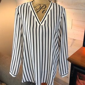 Adrianna Papell blouse.XL